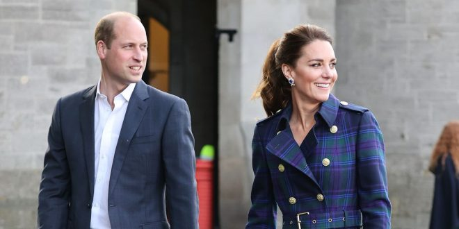"""Prince William And Kate """"Considering Windsor Move"""" To Be Closer To The Queen"""