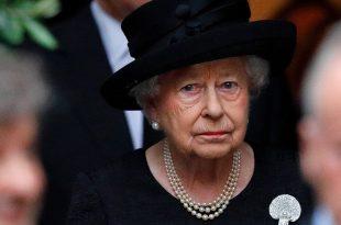 The Queen Elizabeth II Mourns Sad Death Of Close Family Friend